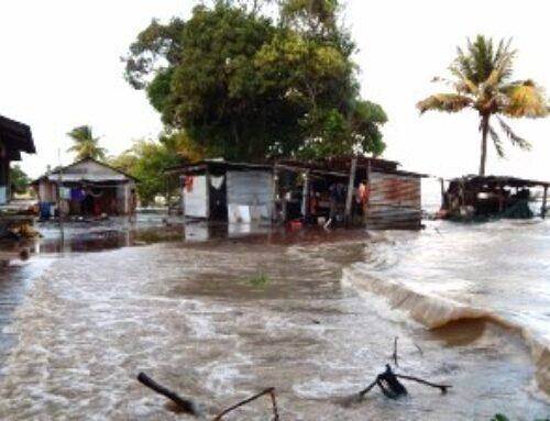 Vloedgolf in Galibi